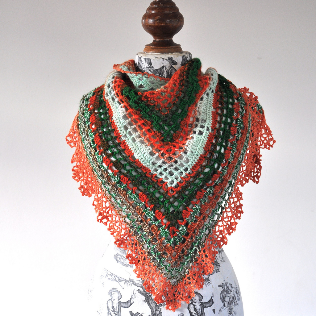Free Crochet Edging Patterns For Shawls : PATTERN ONLY (PDF File) - Triangular Crochet Shawl In ...